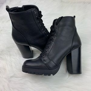 ✨SALE✨ Steve Madden Laurie Black Leather Booties